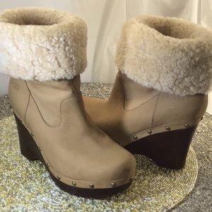 Great pair of UGG  buckskin cream boots, wedges